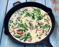 Chicken in the pot with mushrooms recipe 2022