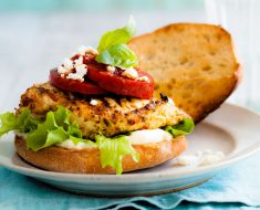Homemade chicken burgers recipe without eggs or breadcrumbs 2022