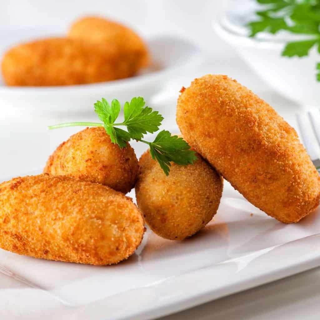 Homemade chicken croquettes recipe without béchamel