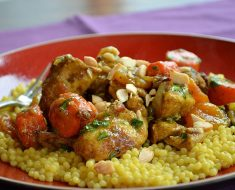 Honey chicken recipe with almonds and cinnamon 2022